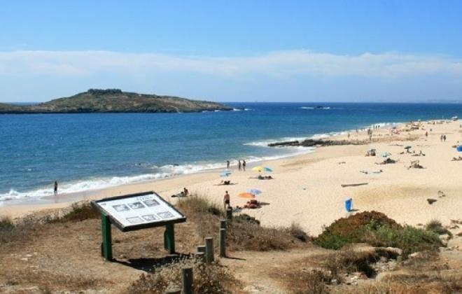 Praia da Ilha do Pessegueiro vai ser requalificada
