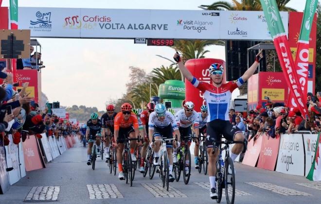 Fábio Jakobsen vence primeira etapa da Volta ao Algarve em Bicicleta
