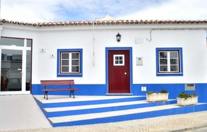 Junta de Freguesia de Porto Covo faz compras para os idosos