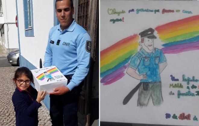 Criança oferece gel à GNR de Grândola