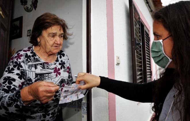 Município vai distribuir mais de 400 máscaras à população idosa