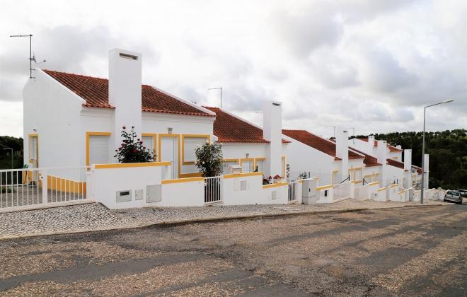 Município de Grândola entrega duas habitações em Azinheira de Barros
