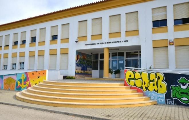 Escola Poeta Al Berto recebe ação sobre limpeza e desinfeção