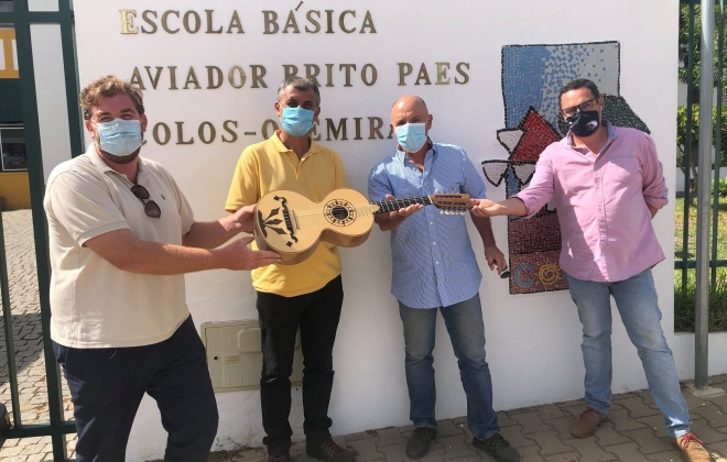 Centro de Valorização da Viola Campaniça oferece violas a sete escolas de Odemira