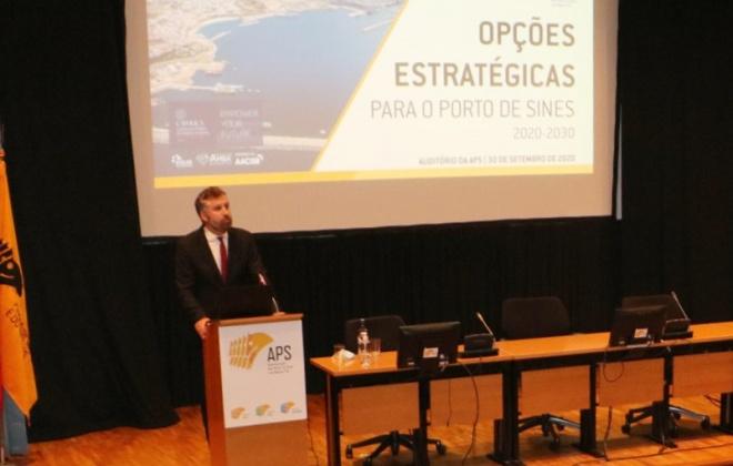 Porto de Sines pretende conquistar 3% da carga ibérica nos próximos três anos