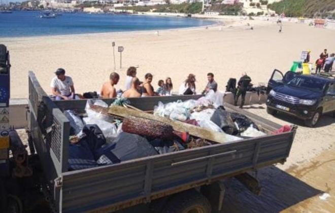 Foram retirados quase 400 quilos de lixo da baía de Sines e praia Vasco da Gama