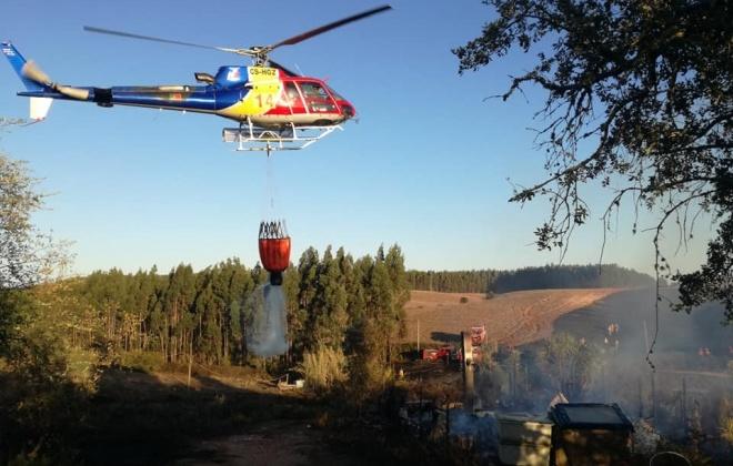 Incêndio consumiu uma casa e uma área de pasto em Cercal do Alentejo