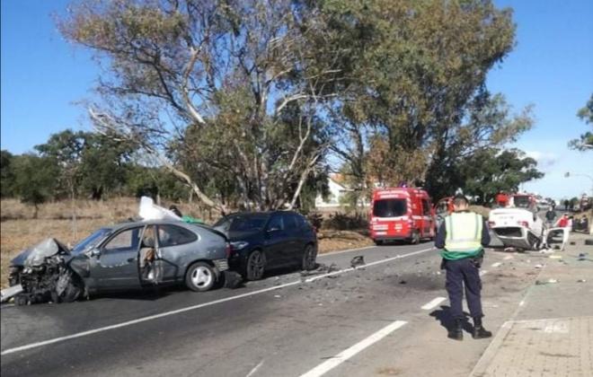 Colisão provoca três feridos em Sonega, Cercal do Alentejo.