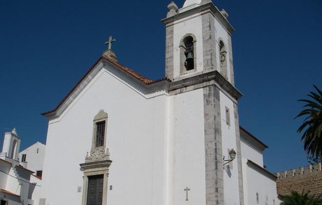 Igreja Matriz de Sines recebe missa em memória dos bombeiros falecidos
