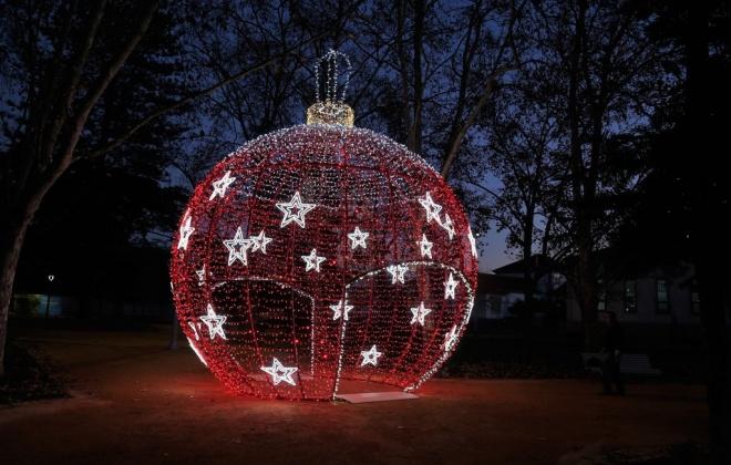 Grândola aposta na iluminação e na música ambiente para dinamizar o comércio local e manter vivo o espirito solidário e alegre do Natal