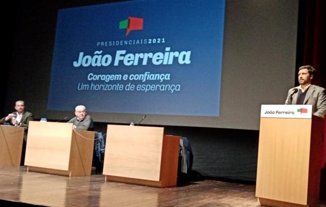 João Ferreira destaca trabalho dos profissionais do Serviço Nacional de Saúde