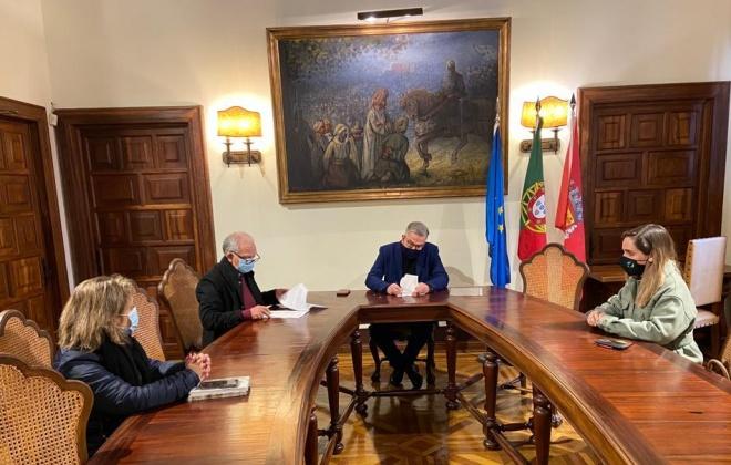 Câmara assina auto de consignação de obras da Piscina Municipal Coberta de Alcácer do Sal