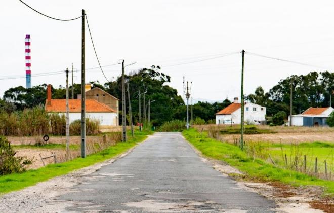 Empreitada de repavimentação da Estrada da Ribeira de Moinhos começou hoje