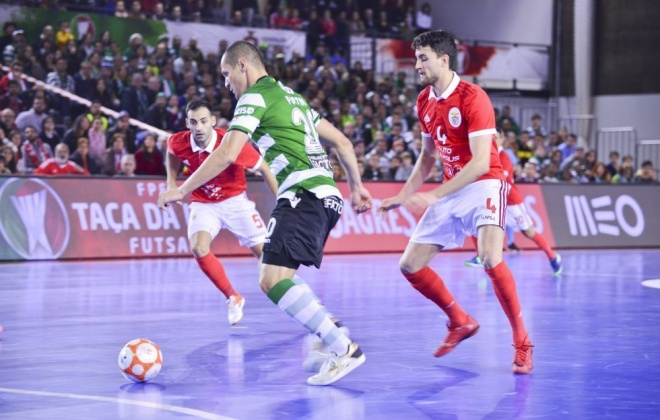 Sines recebe Taças de Portugal e da Liga de Futsal