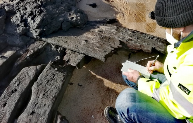 Destroços de possível navio holandês do século XVII foram encontrados na lagoa de Melides