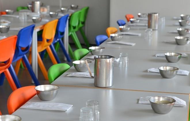 Câmara de Sines entrega refeições a alunos do concelho