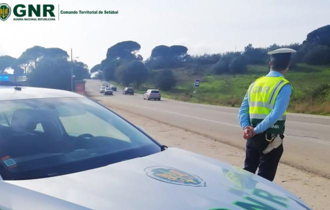 Covid-19: Proibida circulação entre concelhos a partir das 00:00 de sexta-feira - DRE