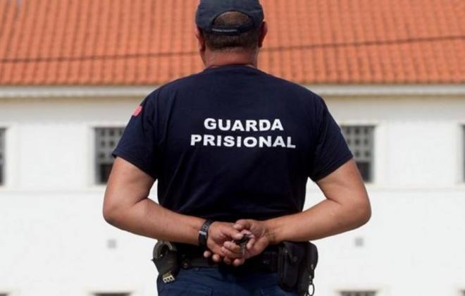 Covid-19: Todos os guardas prisionais do continente estão vacinados