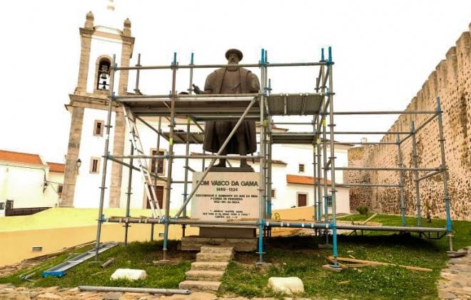 Câmara de Sines restaura Estátua de Vasco da Gama