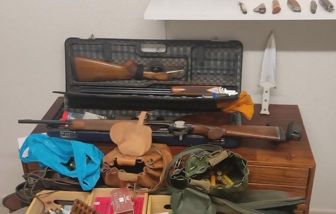 Apreendidas armas em processo de violência doméstica em Tróia