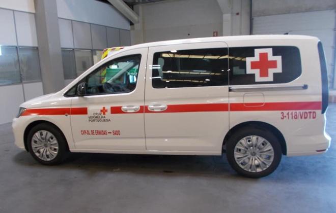 Cruz Vermelha de Ermidas-Sado compra nova ambulância