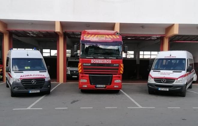 Bombeiros de Santiago do Cacém inauguraram três viaturas operacionais