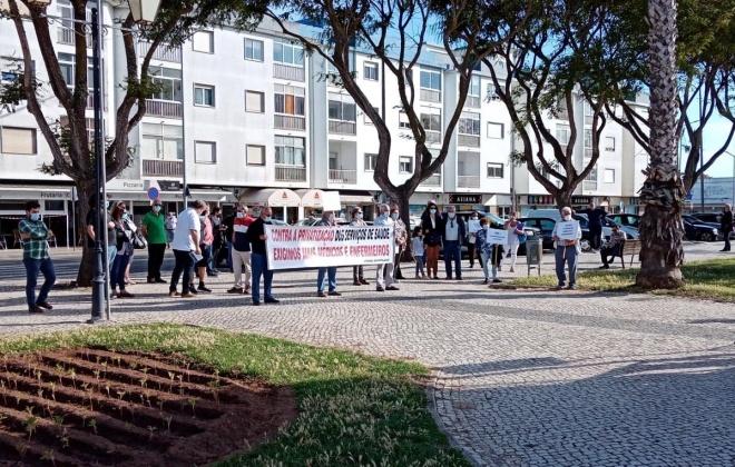 Utentes protestam em Sines contra falta de profissionais nos serviços públicos
