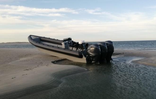 Detetada embarcação de alta velocidade encalhada em Troia
