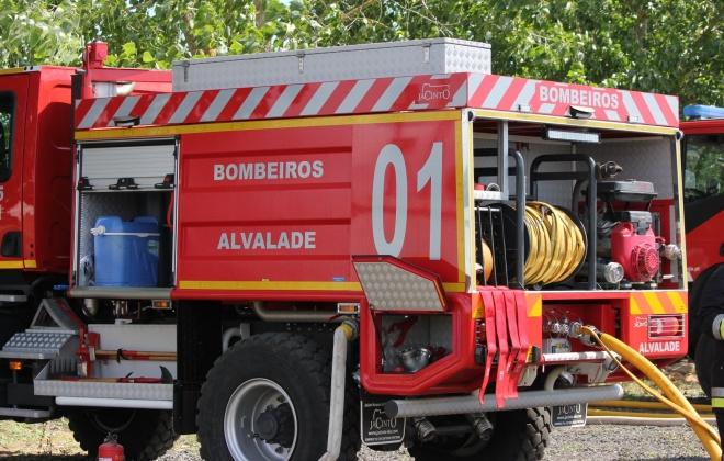 Incêndio consumiu área de pasto na freguesia de Alvalade