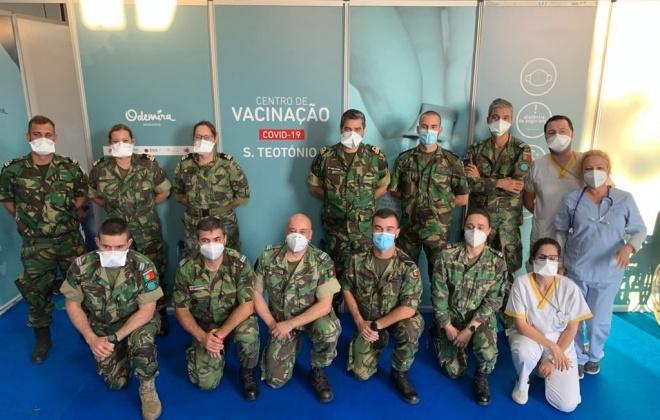 """Forças Armadas ajudam SNS na """"aceleração da vacinação"""" contra a COVID-19"""