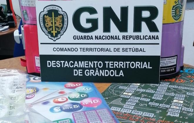 GNR apreendeu duas máquinas de jogo ilegal em Grândola